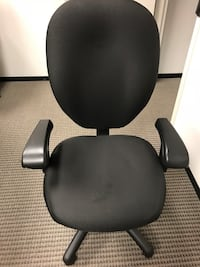 black leather office rolling chair Rockville, 20850