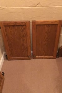 4 cabinet doors with knobs  Westerville, 43081