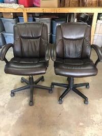 Desk Chairs Wood River, 62095