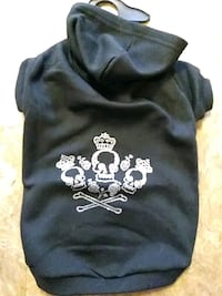 black and white skull print hooded pet top Holbrook, 11741