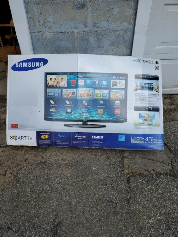 "Samsung 46"" Smart TV Series 5300 with very nice black glass stand 9bece423-d431-4b36-9a1b-2bf7447e3a71"