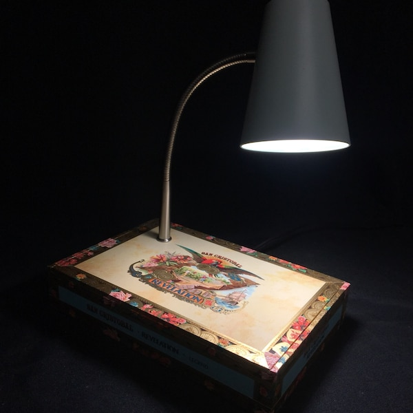San Cristobal cigar box desk lamp