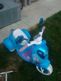 blue and white Frozen Power Wheels Hanover, 17331