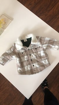 White and gray plaid button-up jacket Vallejo, 94591