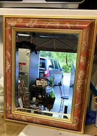 Beautiful beveled mirror Langley, V1M 2J1