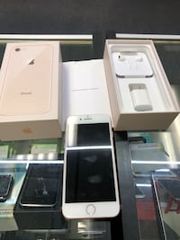 Rose gold iphone 8 with box Charlotte, 28205