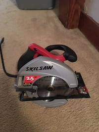 "Skilsaw 7 1/4"" electric circular saw with built in light & two new carbide replacement blades Virginia Beach, 23455"