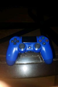 Blue Ps4 controller  Severn, 21144