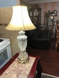 24%  lead  crystal lamp. Fabulous condition and working well. Hamilton, L9A 1T3