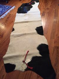 3 D Ranch Cowhide Rug with tags Norman, 73072