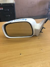 2003 Toyota Camry left side view mirror Los Angeles, 90001