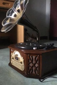 iTrak Bluetooth Record Player with 2 year Warranty  Fort Myer, 22211