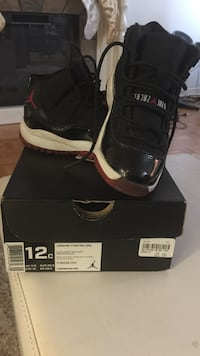 Black red air jordan 11 retro with box toddler size12 Mississauga, L5B 1T1