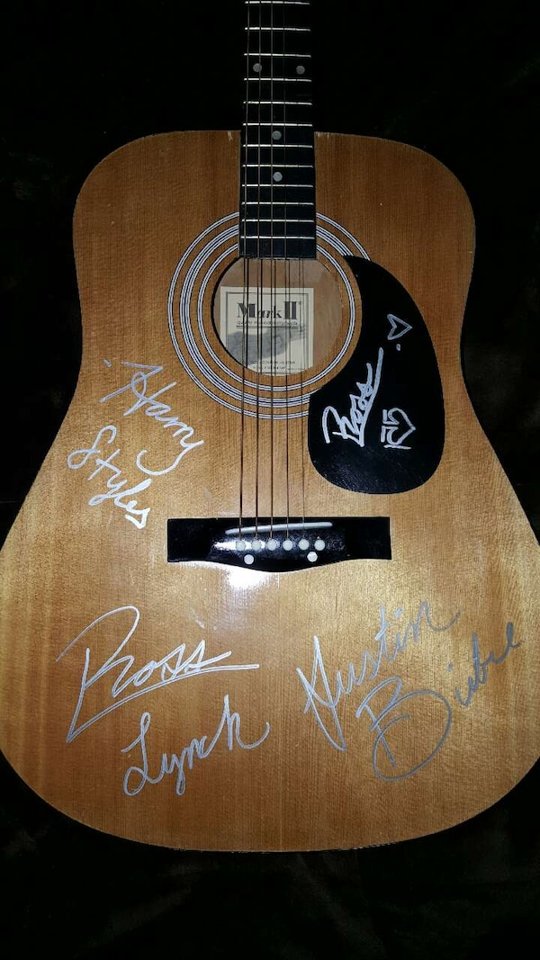 Used Ross Lynch Justin Bieber Harry Styles R5 1d Guitar For Sale In