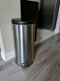 Stainless garbage can Surrey, V3T 5X9