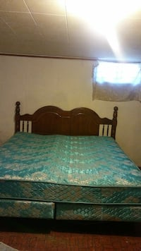 Spring Air King Size Dble. Boxspring Firm Matress  South Bend, 46619