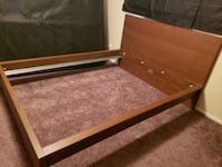 Queen sized bed frame  Las Vegas, 89121