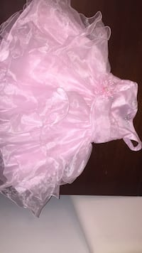 pink and white floral dress Annandale, 22003