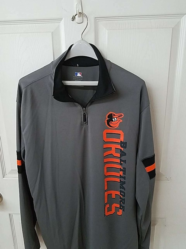 gray, black, and orange Baltimore Orioles-printed collared long-sleeved shirt