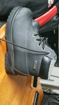 Lile new size 3 and half Windsor, N8S 4G2