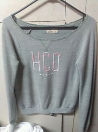 Hollister sweater xs but fits like a small Gilroy, 95020