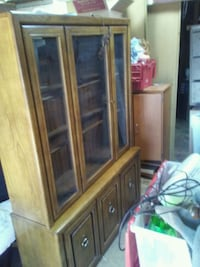 brown wooden framed glass display china cabinet Rio Rancho, 87124