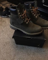 Green suede timberland boots size 10.5 Hamilton, L0R 1H1