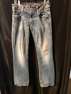 Buckle ROCK REVIVAL ALANIS Embellished Boot Cut Low Rise Stretch Jeans 31 X 30 Women's