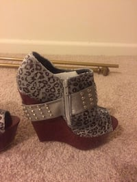 pair leopard wedges Baltimore, 21224