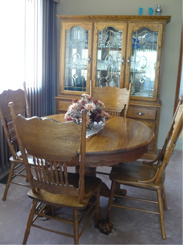 Used Oak Hutch Dining Table With Butterfly Leaf And 4 Chairs For Sale In Vancouver