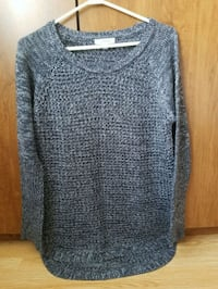 Ladies size medium sweater  Cambridge