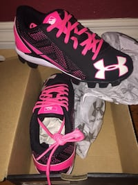 New Girl's size 2 Under Armour Baseball cleats Riverside, 92506