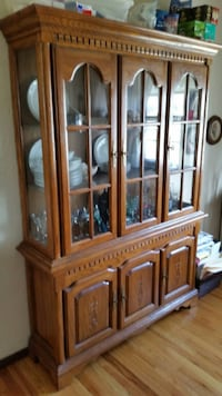 DINING ROOM HUTCH (52 Across By 76 Down) SERIOUS BUYERS ONLY. THANKS!!! CLIFTON