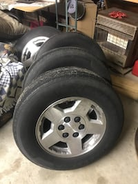 Chevy 5 star rims with 245/70r17 with all center caps and lug nuts Lake City, 29560