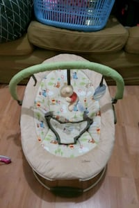 baby's white and green bouncer 3729 km