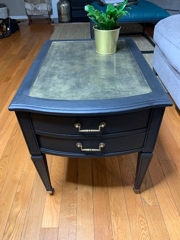 Two-drawer nightstand 0