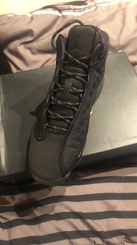 Size: 7 Y Air Jordan 13( black cat) Toronto, M6B