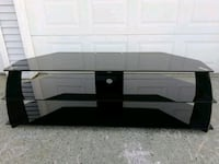 Black tempered glass 3 - layer TV stand Surrey, V4A 5A1