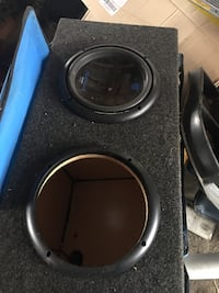 """2 10"""" sub woofers and box Wappinger, 12590"""
