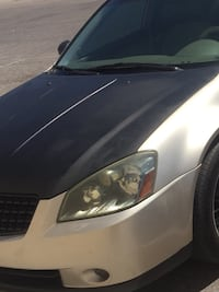 2 HEADLIGHTS AND GRILL NISSAN ALTIMA Las Vegas, 89115