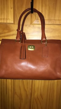 Coach purse, great condition Glenwood, 51534