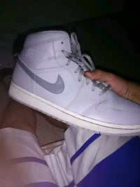 unpaired white Nike Air Force 1 low Tonopah, 89049