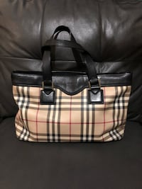Burberry shoulder (price negotiable!) New York, 11369