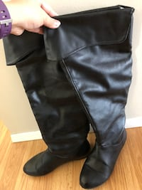 Boots size 6, still in good condition Calgary, T2K 1G2