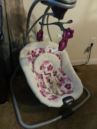 GRACO BABY SWING WITH SOOTHING VIBRATION  Marksville, 71351
