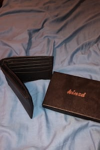 Men's black bifold wallet