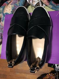 Pair of black leather flats Silver Spring, 20904