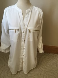 women's white button-up elbow-sleeved shirt
