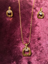 Gold coloured cubic zirconia necklace and earring set Toronto, M9W 1Z2