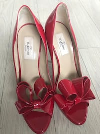 Women's Valentino Red Bow High Pumps in Patent Leather Toronto
